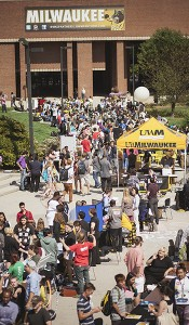 Fall Welcome 2013 event: Involvement Fair on Spaights Plaza.