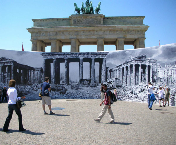 significance of the berlin wall The brandenburg gate was not part of the old berlin fortress, but one of 18 gates within the berlin customs wall (german: akzisemauer), erected in the 1730s, including the old fortified city and many of its then suburbs.