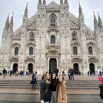 From L to R: Student Physical Therapists Tessa Mertins, Kelsey Frey and Christina Wavrunek sightseeing in Italy.