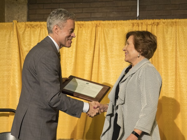 Ewa Barczyk Receives Ernest Spaights Plaza Honor from UWM Chancellor Mark Mone