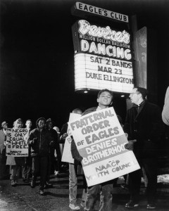 Protest of Eagles Club, Father James Groppi on right. Courtesy Wisconsin Historical Society