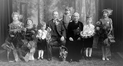Joseph Grajek Family Portrait, 1931 (kw031456)