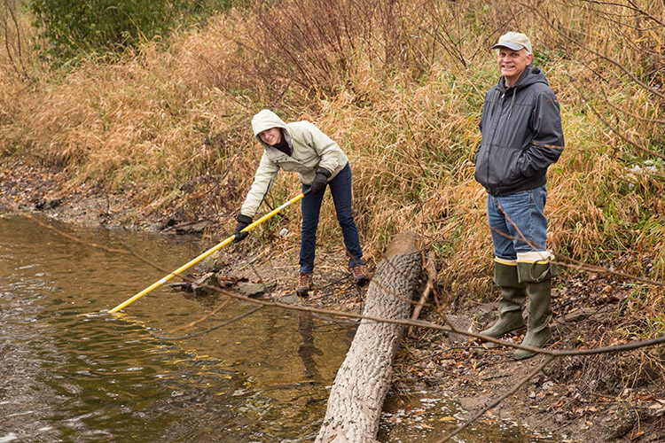 How does Thanksgiving affect rivers? Sampling project aims to find out