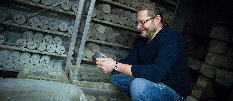 Konstantin Sobolev with blocks of concrete.