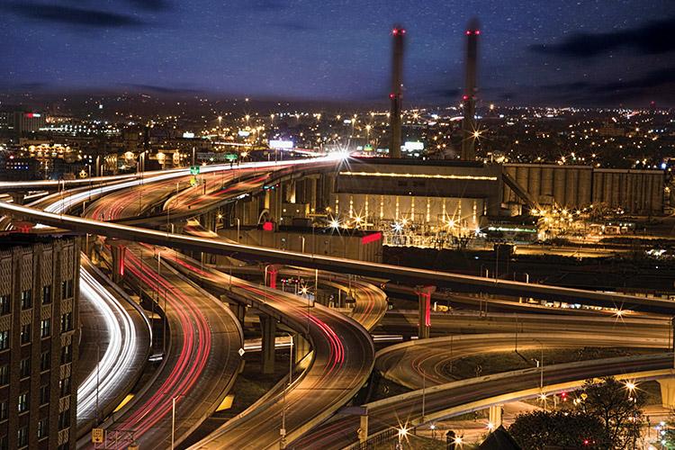 Photo of traffic at night.