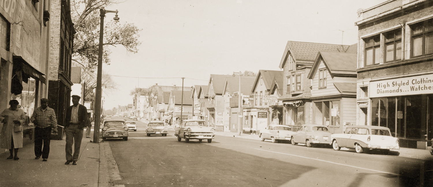 Black-and-white photo of a Milwaukee street in 1958