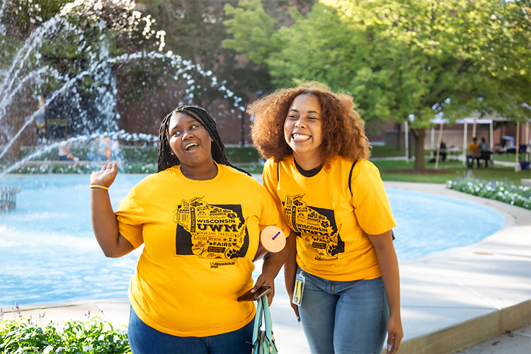students near UWM fountain