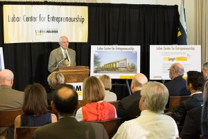 Founding donor Sheldon Lubar unveils plans for the Lubar Center for Entrepreneurship at UWM.