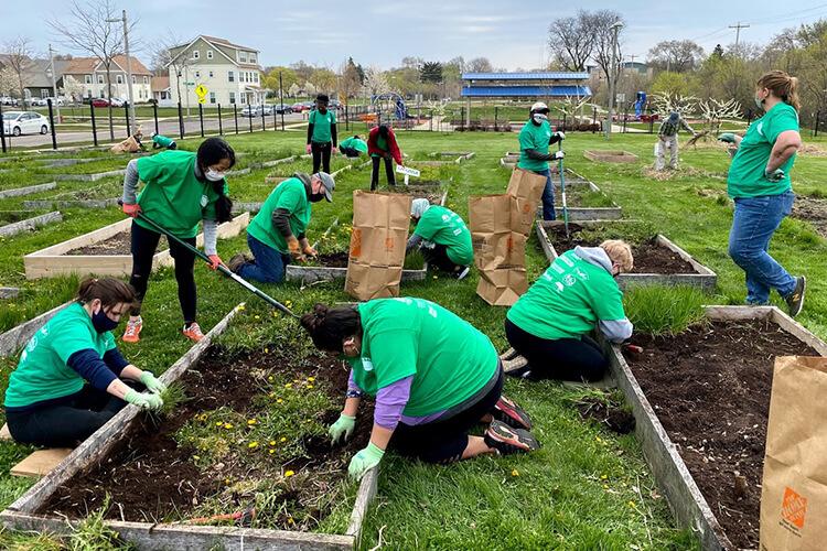 ISCP members working on community gardens