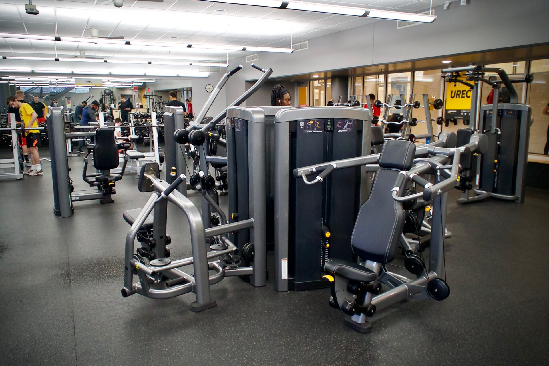 Weight and cardio room university recreation