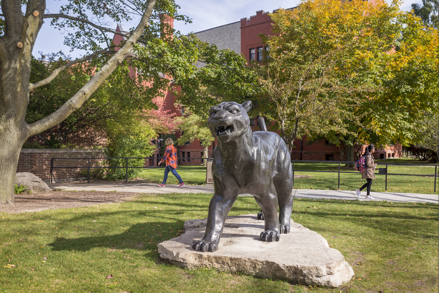 UWM Panther Statue